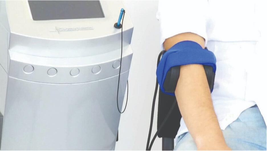 טיפול בפולסים אלקטרומגנטיים למרפק