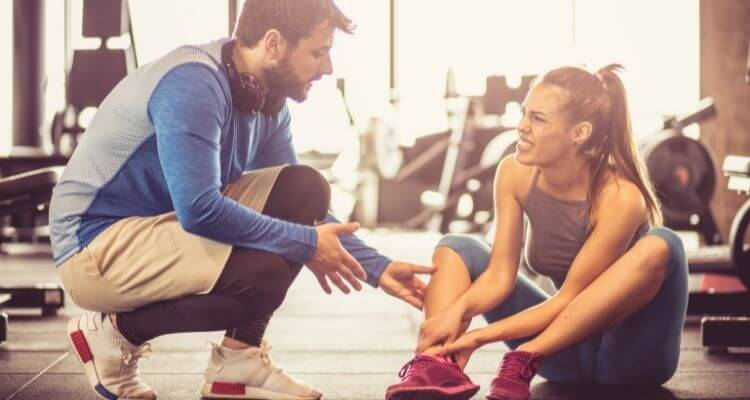 איך לטפל בפציעות ספורט